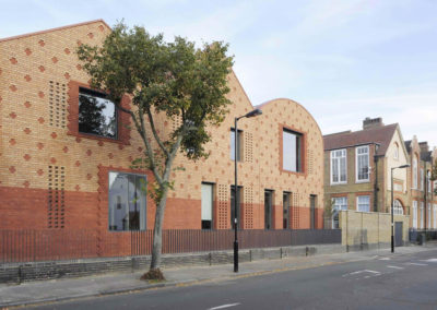 architect-north-london-00-first-image-aoc-spa-school-dg-62-1400x950